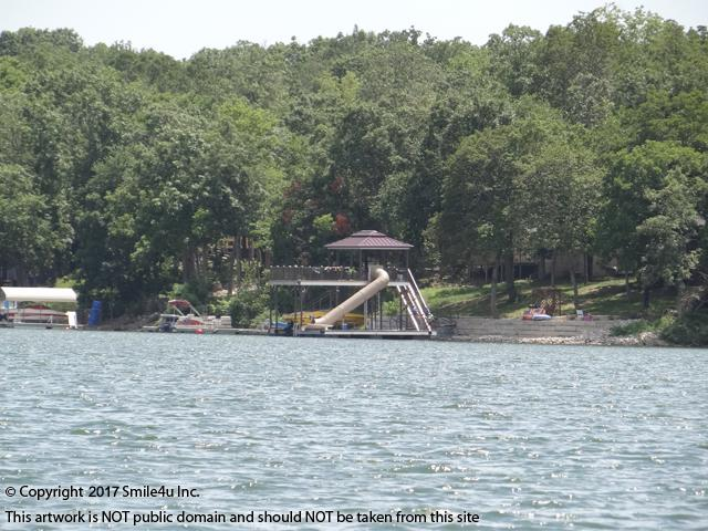 <B>Sugar Valley Lakes offers several lakes for swimming, boating and fishing and a 9 hold golf course for the use of the property owners. Located about an hour S of Kansas City, KS in Mound City, it